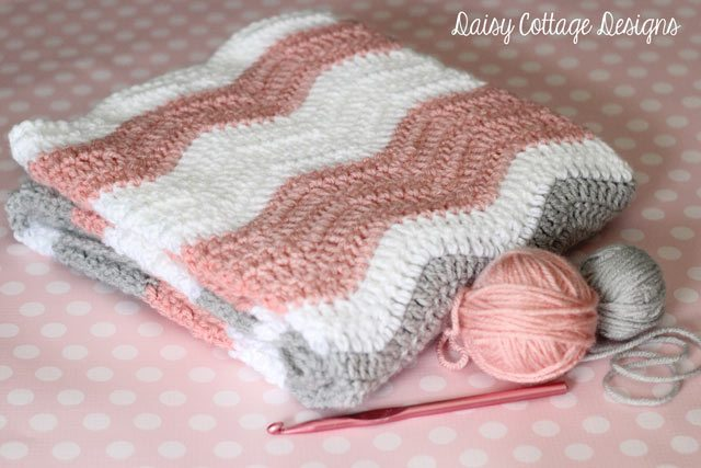 Free Crochet Patterns For Baby Blankets Boys Red Hearts