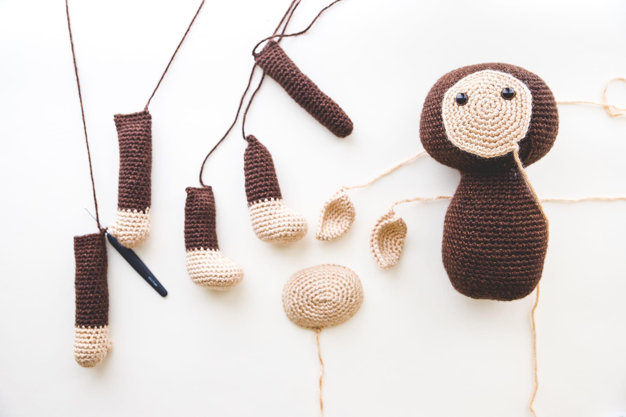Crochet Amigurumi Assembly - Happy Monkey - YouTube | 1365x2048