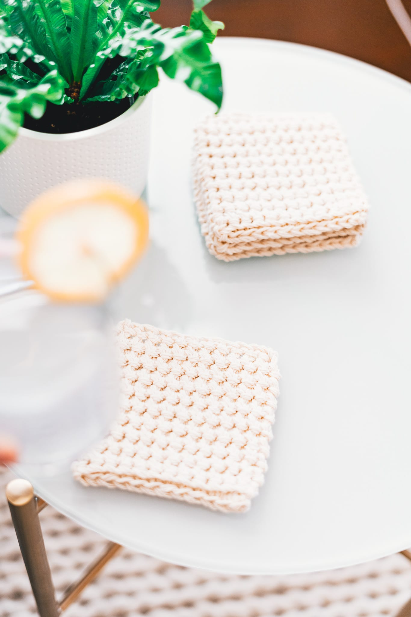 easy crochet coasters that are thick and stylish