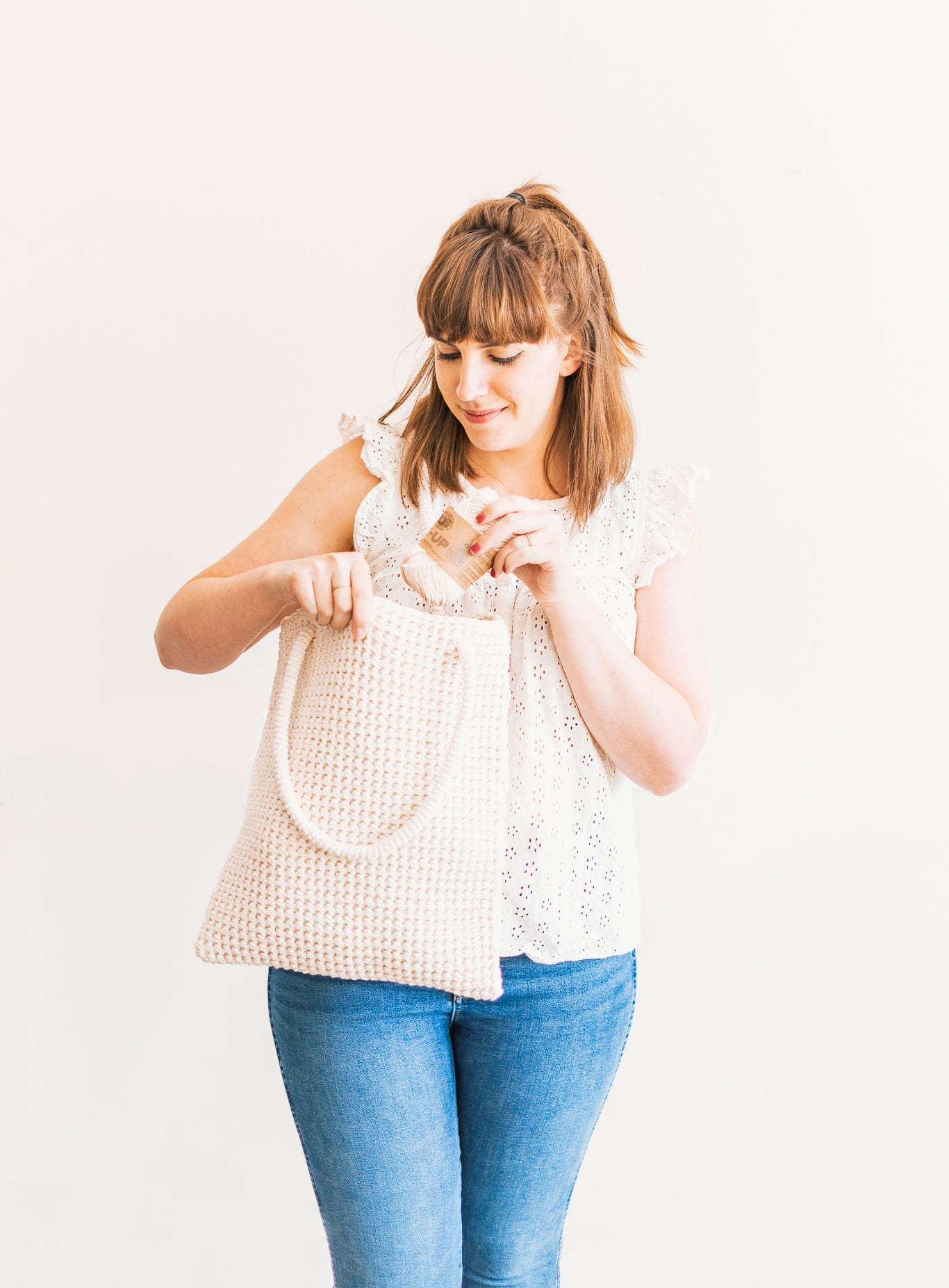 Easy crochet tote bag using the thermal stitch